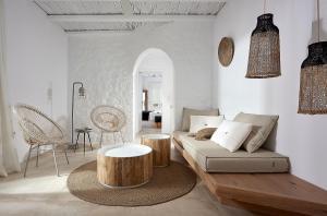 Χώρος καθιστικού στο Delmar Apartments & Suites Milos