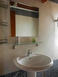A bathroom at Big Dino's Galini
