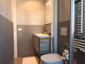 A bathroom at Venezia Luxury Biennale Design