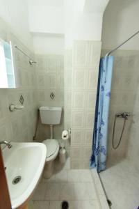 Ένα μπάνιο στο Βίλλα Μάρα