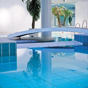The swimming pool at or near Park Inn by Radisson Copenhagen Airport