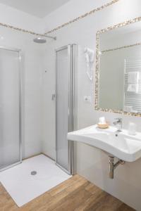 A bathroom at Hotel Cantoria