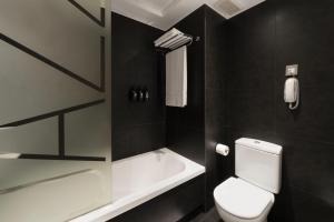 A bathroom at Hotel Jazz