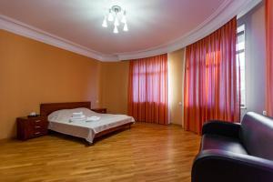 Cama ou camas em um quarto em Sahil Luxury Apartment