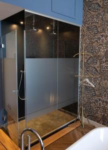 A bathroom at Boutiquehotel 't Gerecht