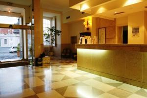 The lobby or reception area at Pousada Palacio de Queluz
