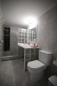A bathroom at Aias Summer House