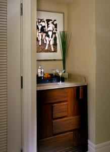 A kitchen or kitchenette at The Highland Dallas, Curio Collection by Hilton