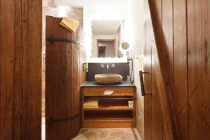 Een badkamer bij Heide Park Abenteuerhotel