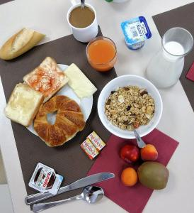 Breakfast options available to guests at Résidence GOELIA Sun City