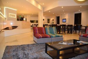 The lobby or reception area at Laguna Hotel