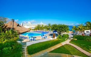 A view of the pool at Casa del Mar Cozumel Hotel & Dive Resort or nearby