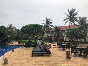The swimming pool at or close to The Hans Coco Palms