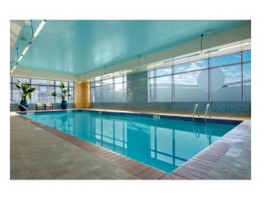 The swimming pool at or near Hilton Vancouver Washington