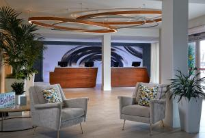 The lobby or reception area at Delta Hotels by Marriott Daytona Beach Oceanfront