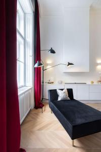 Postel nebo postele na pokoji v ubytování Erkel Boutique Apartment–Chic flat by Market Hall