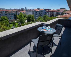 A balcony or terrace at Maltepe 2000 Hotel