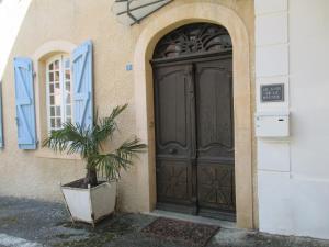 The facade or entrance of Le Clos de la Bastide