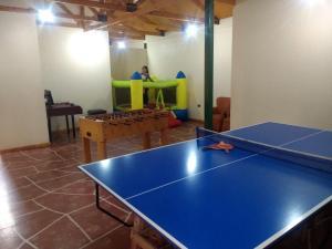 Instalaciones para jugar al ping pong en Hotel Feudal o alrededores