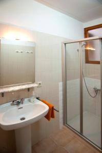 A bathroom at Apartment Linyola