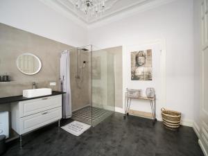 Ein Badezimmer in der Unterkunft City Apartments Siegburg Studios