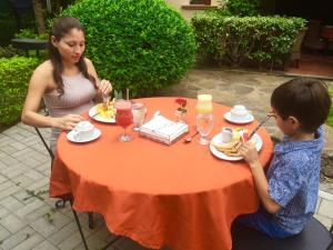 Children staying at Villa del Sueño