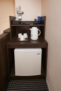 Coffee and tea-making facilities at Hotel Consort