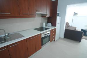 A kitchen or kitchenette at Bungalow Mesana
