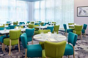 A restaurant or other place to eat at Jurys Inn Sheffield
