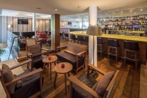 The lounge or bar area at Waldhotel Stuttgart