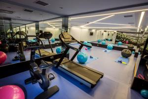 The fitness center and/or fitness facilities at Radisson Blu Hotel, Diyarbakir