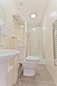 A bathroom at The Wilton
