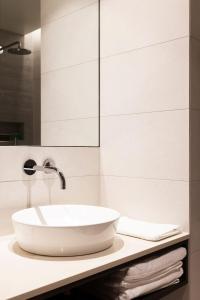 A bathroom at Hotel Berg by Keflavik Airport
