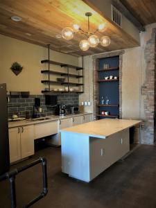A kitchen or kitchenette at Deep Ellum Hostel