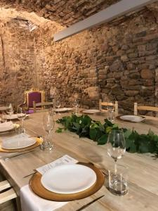 A restaurant or other place to eat at Hotel Secrets Priorat