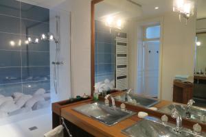 A bathroom at LE 50 luxury apartment