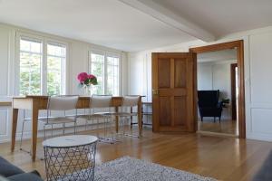Ein Sitzbereich in der Unterkunft Haus zur Rose, St.Gallen, Bodensee, Säntis