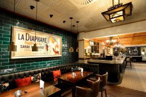 De lounge of bar bij Hotel Zuiderduin
