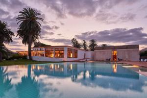 The swimming pool at or close to Hotel Porto Santo & Spa