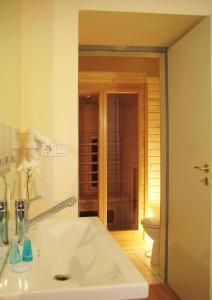 Ein Badezimmer in der Unterkunft Hotel Schloss Spyker