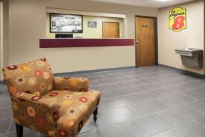 The lobby or reception area at Super 8 by Wyndham Dwight