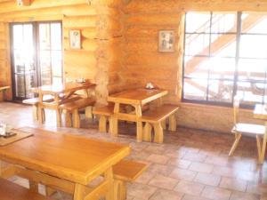 Restorāns vai citas vietas, kur ieturēt maltīti, naktsmītnē Visdari