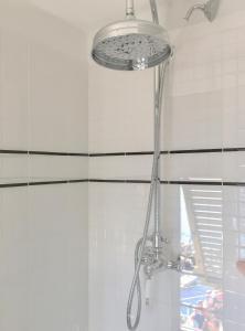 A bathroom at Agave Room Rental