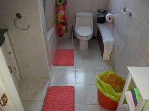 A bathroom at Three bedroom holiday apartment