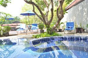 The swimming pool at or near Anya Nana @ Sukhumvit – Bangkok (formerly Unico Express )