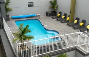 A view of the pool at Albacore Apartments or nearby