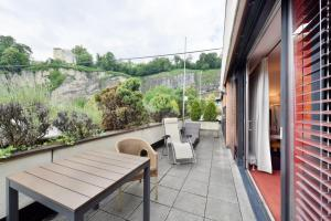 A balcony or terrace at Hotel Neutor Express