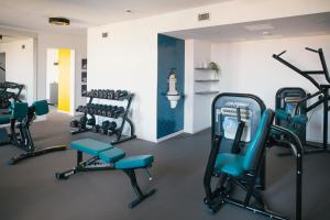 The fitness centre and/or fitness facilities at Vienna House Easy Leipzig