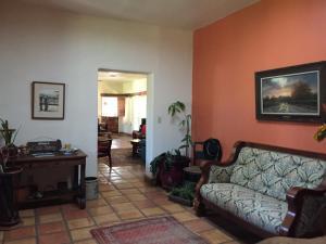 A seating area at Casa Paloma B&B
