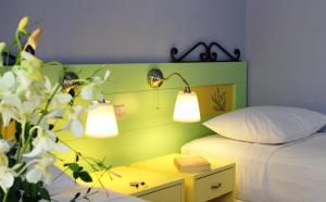 A bed or beds in a room at Nissia Kamares